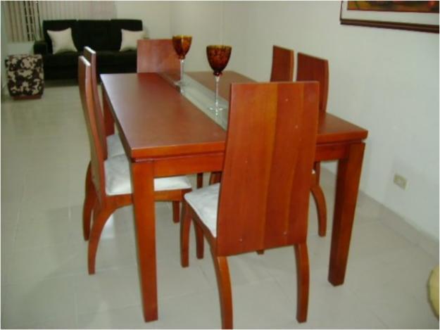 Muebles en madera maciza Comedores en madera modernos