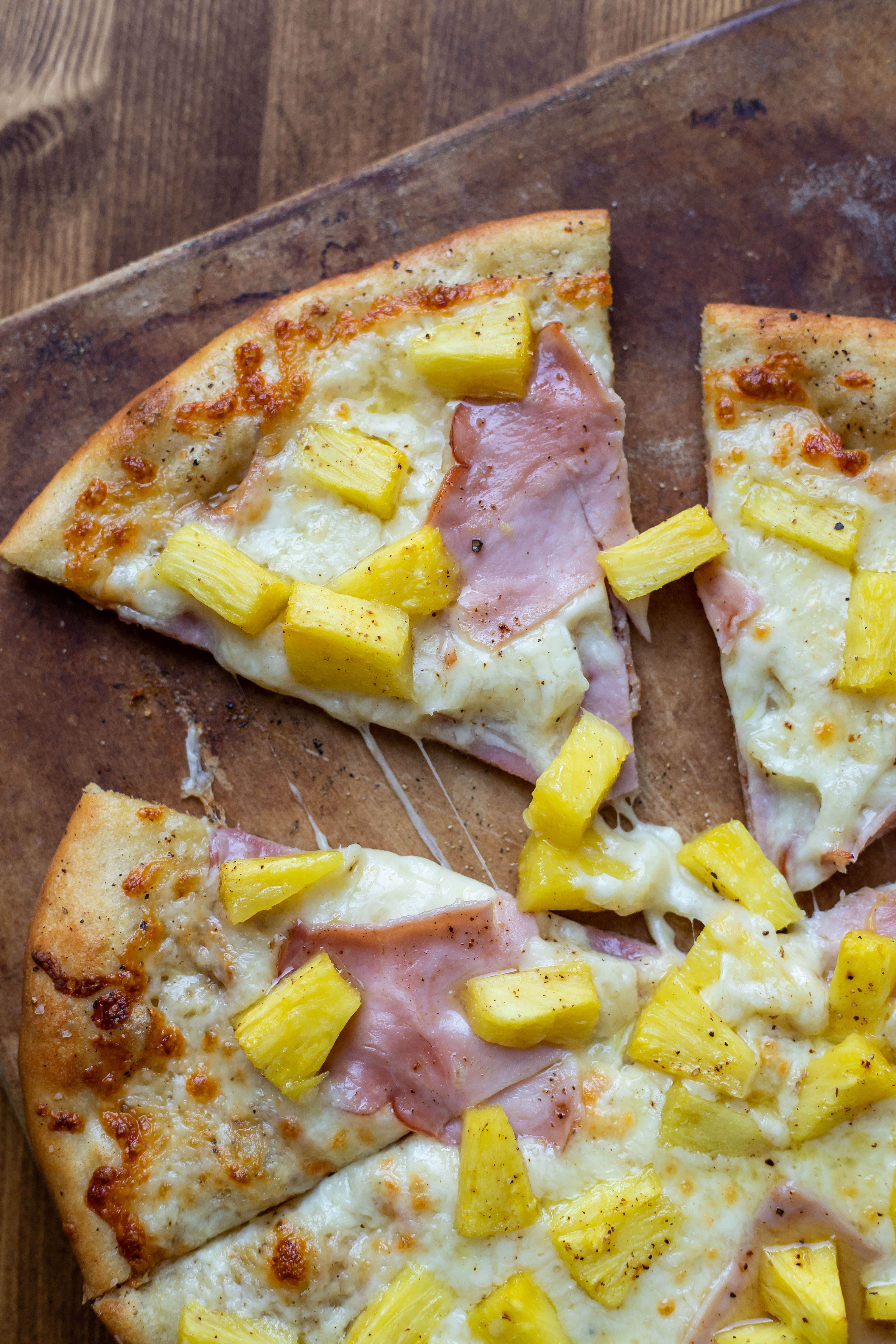Hawaiian Pizza with Olive Oil Base