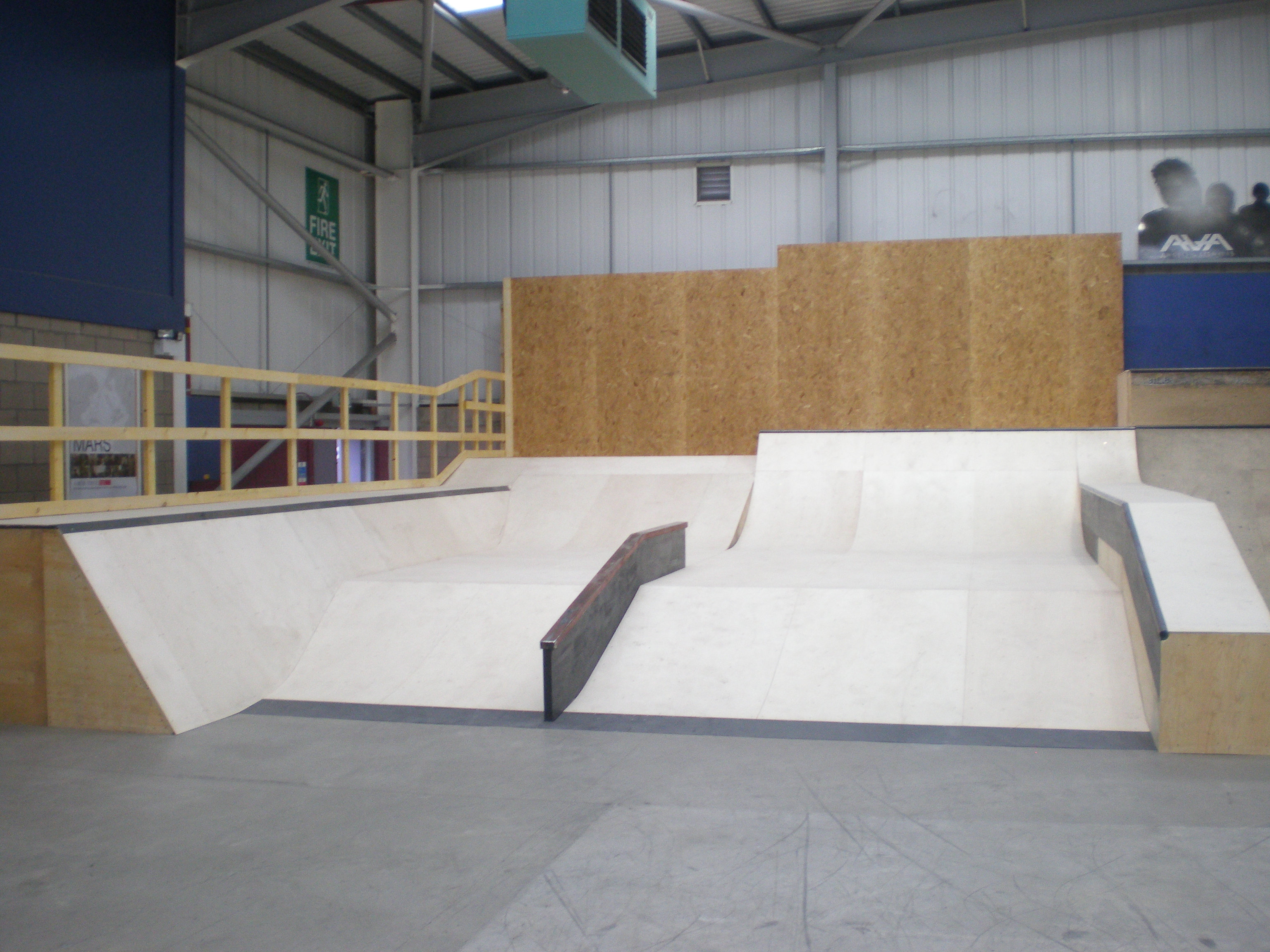 Fearless ramps sutton indoor skate park for Indoor skatepark design uk