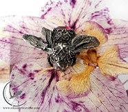 Czarna pszczoła - spinka do włosów