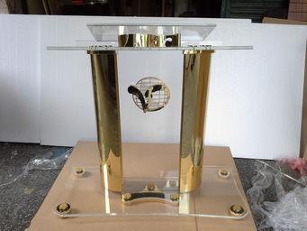 pulpito+podium+atril+de+acrilico+y+oro+serie+platinium+PP1011d.jpg