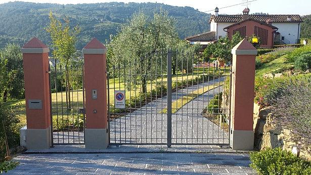Ingresso con cancelli in ferro with cancelli ingresso for Cancelli in ferro leroy merlin