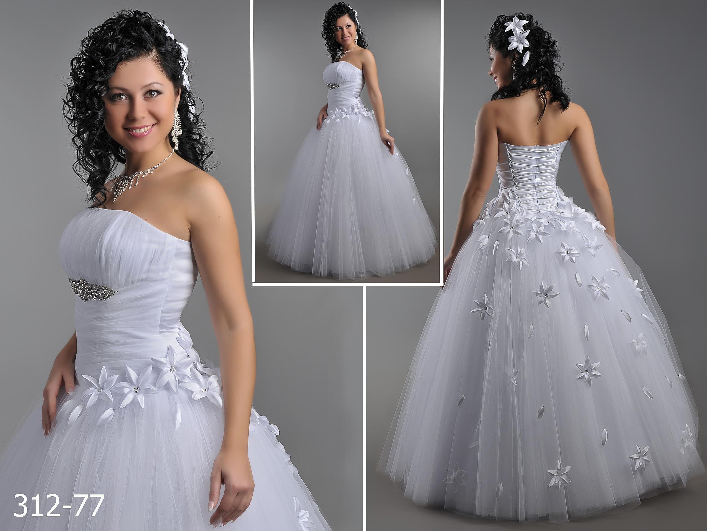 Можно сказать, что традиции выходить замуж в пышном платье уже много лет не только в странах снг, но и во всем мире