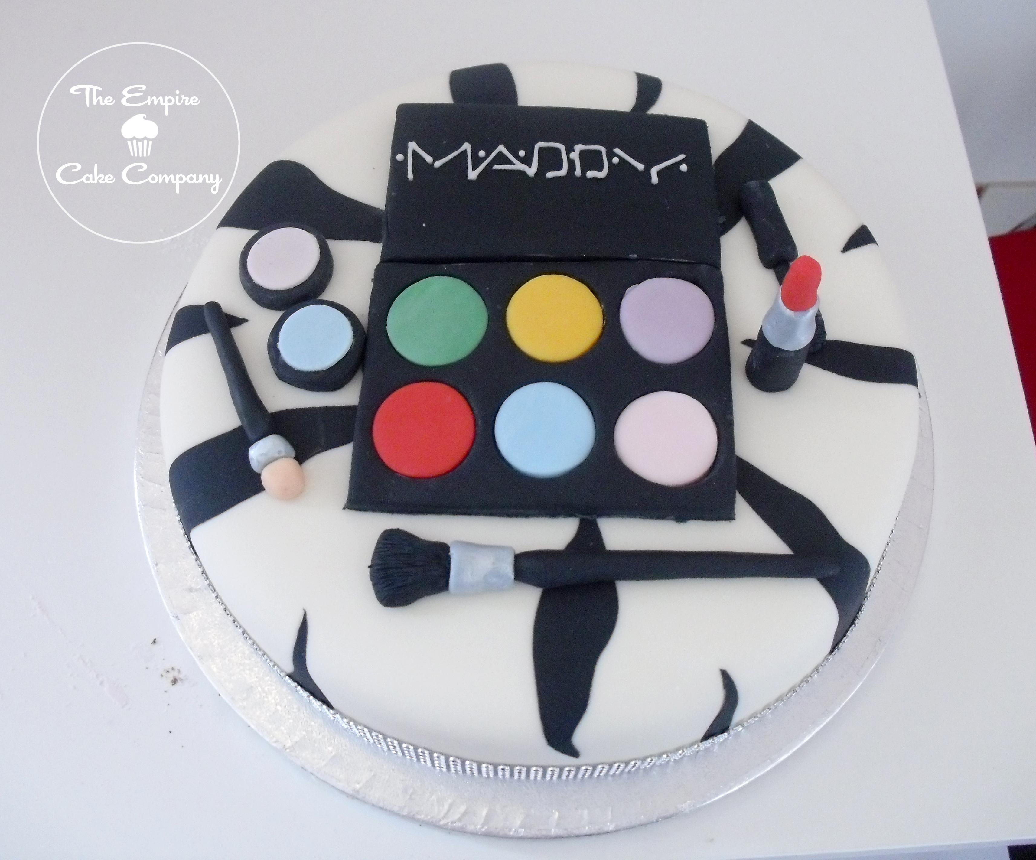 Makeup Box Cake Pic
