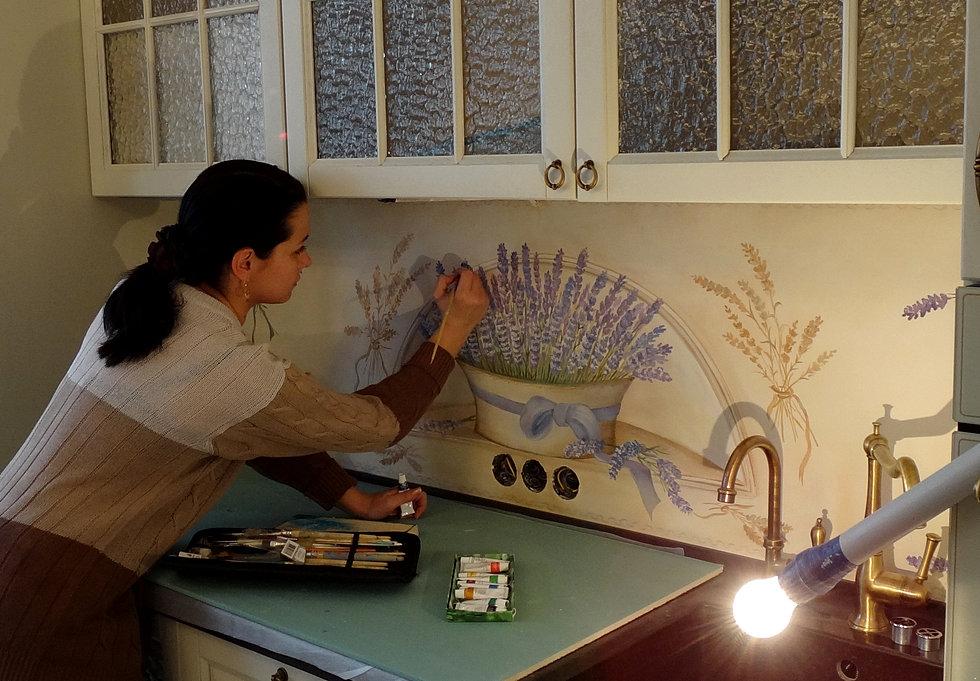 Роспись на стене в кухне