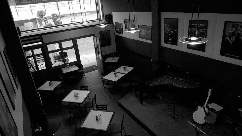 Blue monk jazz bistro jazz cocina y buen vivir - Mezzanine foto ...
