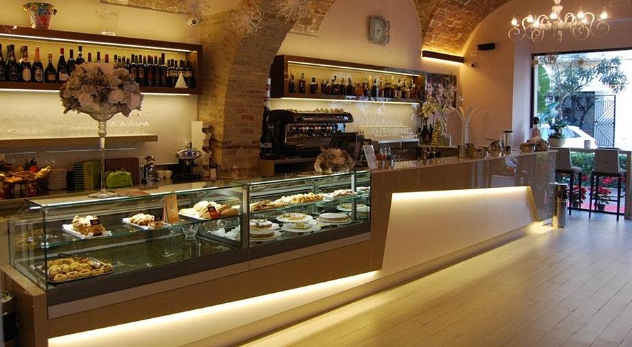 Itaca industria arredo bar termoli for Arredo bar lecce