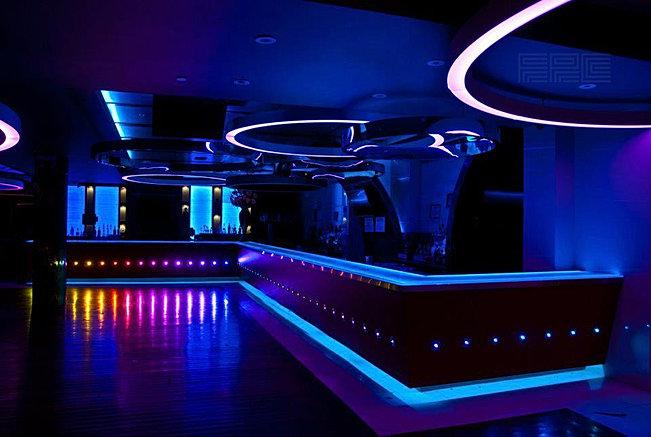 Fotos de bares modernos beautiful bares modernos with - Fachadas de bares modernos ...