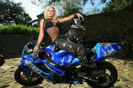 thumb_jeni-motocikleti-i-iako-stynt_0.jpg