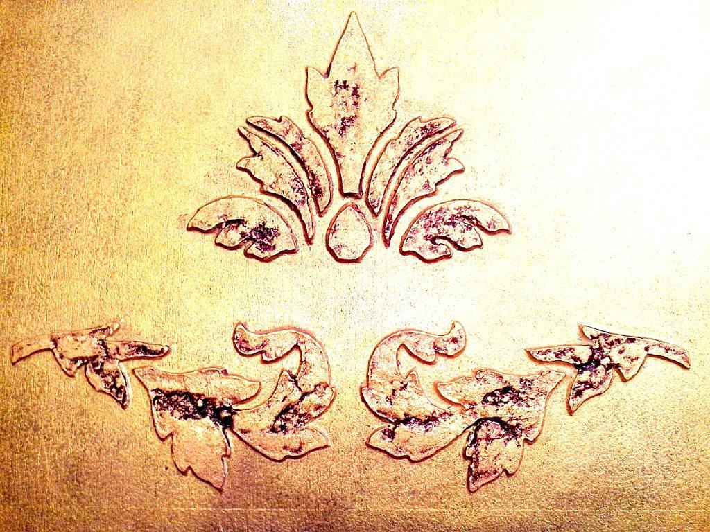 Рельефные узоры на стенах