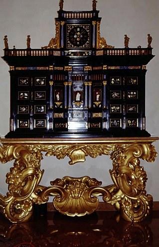 Stippo o monetiere fiorentino costruito interamente in for Arredamenti bovolone