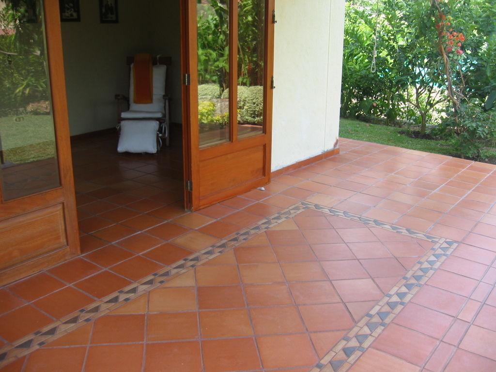 Deposito de materiales en bucaramanga pisos para - Baldosas para exteriores ...