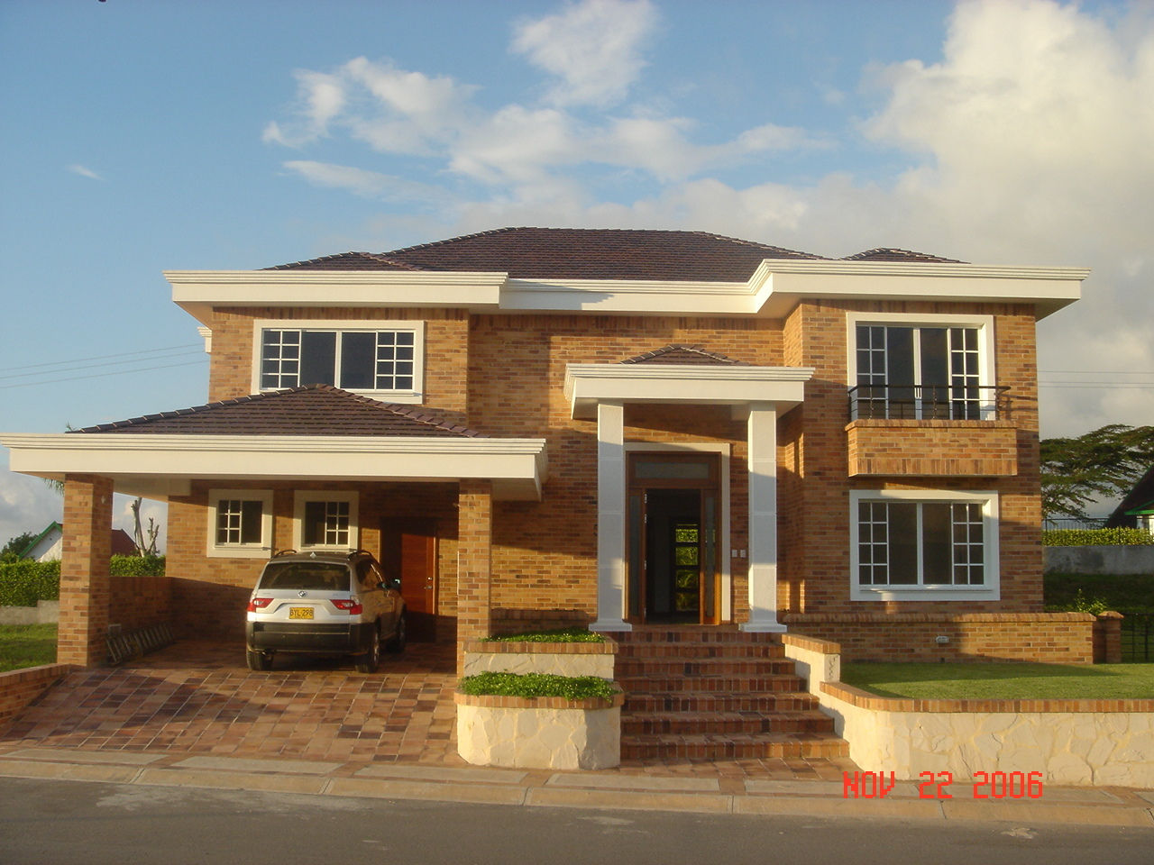 materiales para fachadas exteriores de casas colores