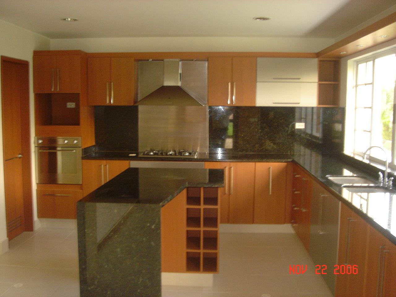 Deposito de materiales en bucaramanga pisos para for Fachadas de cocinas