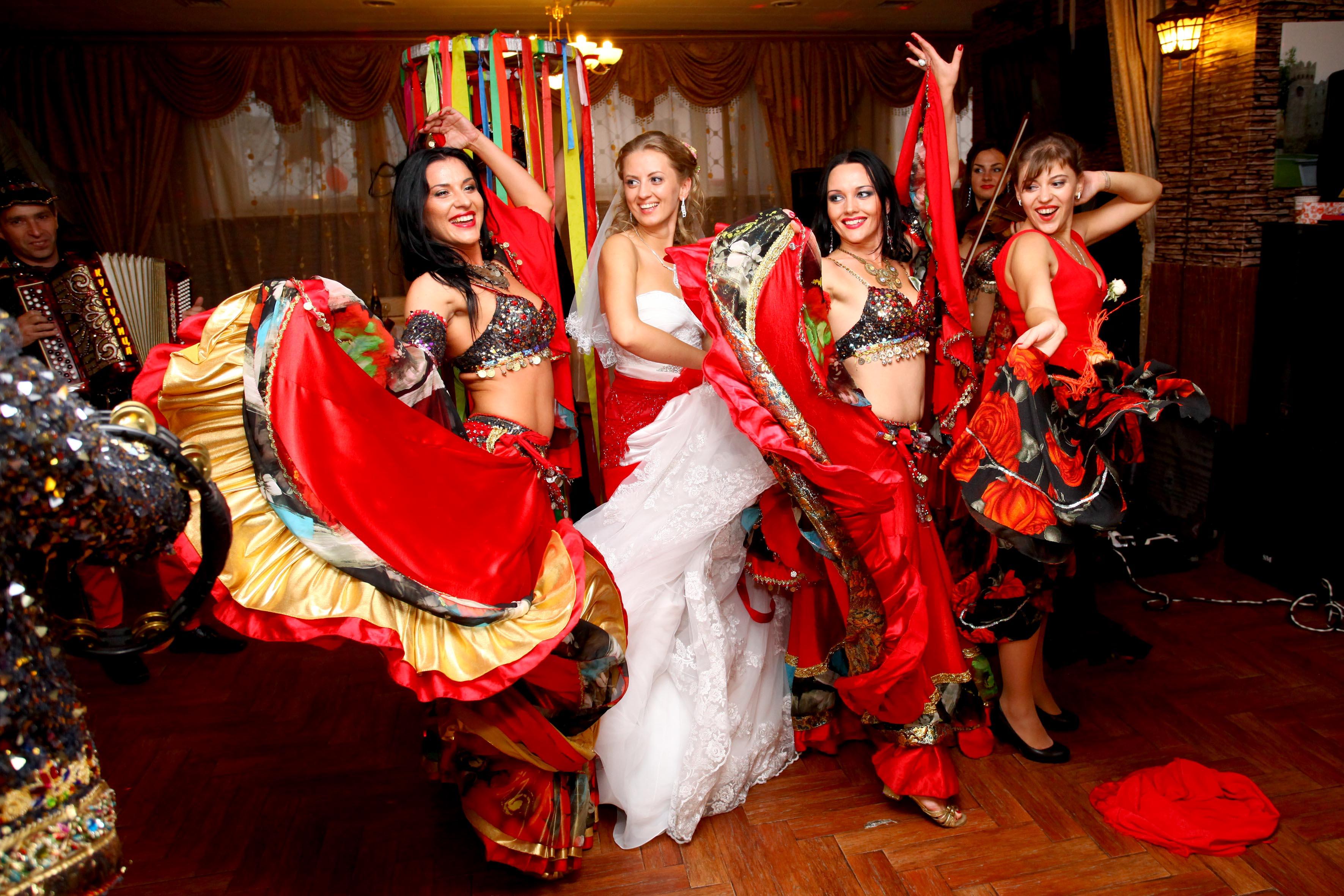 Поздравление от цыганки женщине