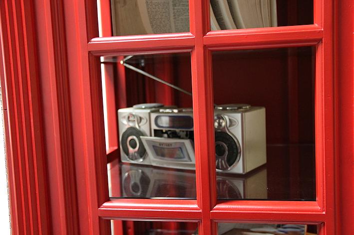 Cabina telefonica inglese in legno su misura img for Cabina telefonica inglese arredamento