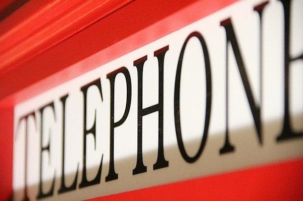 Cabina telefonica inglese in legno su misura