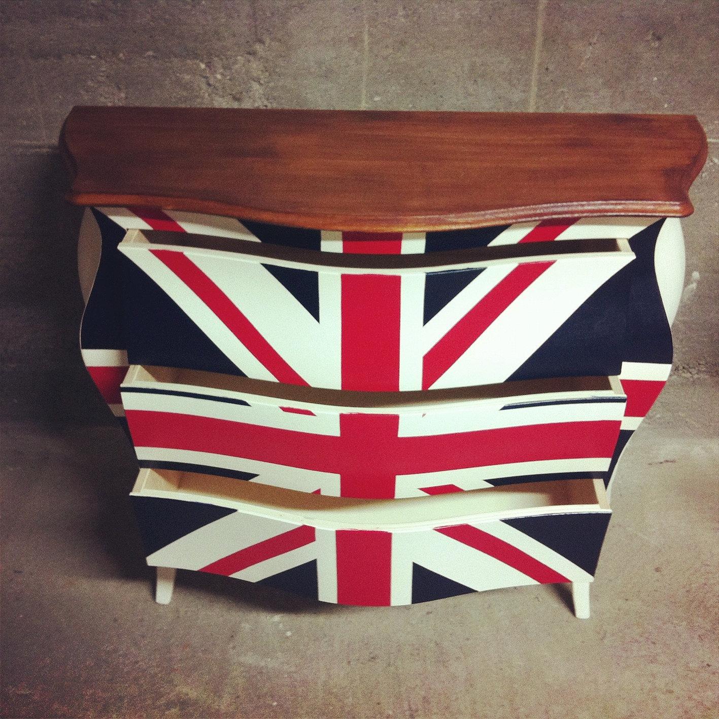 Mobi bandiera inglese for Cabina telefonica inglese arredamento