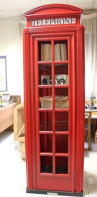 Cabina telefonica inglese arredamento su misura design su for Cabina telefonica inglese arredamento