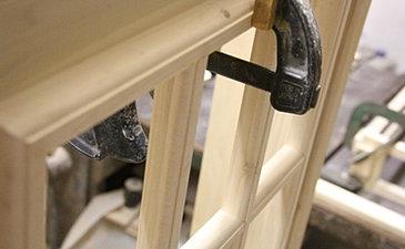 Cabina telefonica inglese in legno su misura for Design della cabina ufficio