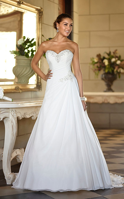 Wedding dresses in hertfordshire wedding suit hire in for Sweetheart neckline ruched bodice wedding dress