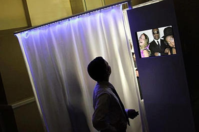 Photobooth Expert rents this booth for special occasions.