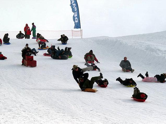 Station de ski alpin les estables domaine nordique du m zenc animations - Office tourisme les estables ...