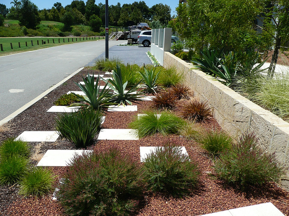 Front garden design perth front yard garden designs 3626 for Front garden designs perth