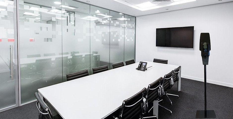 meeting-room-730679_960_720_edited.jpg