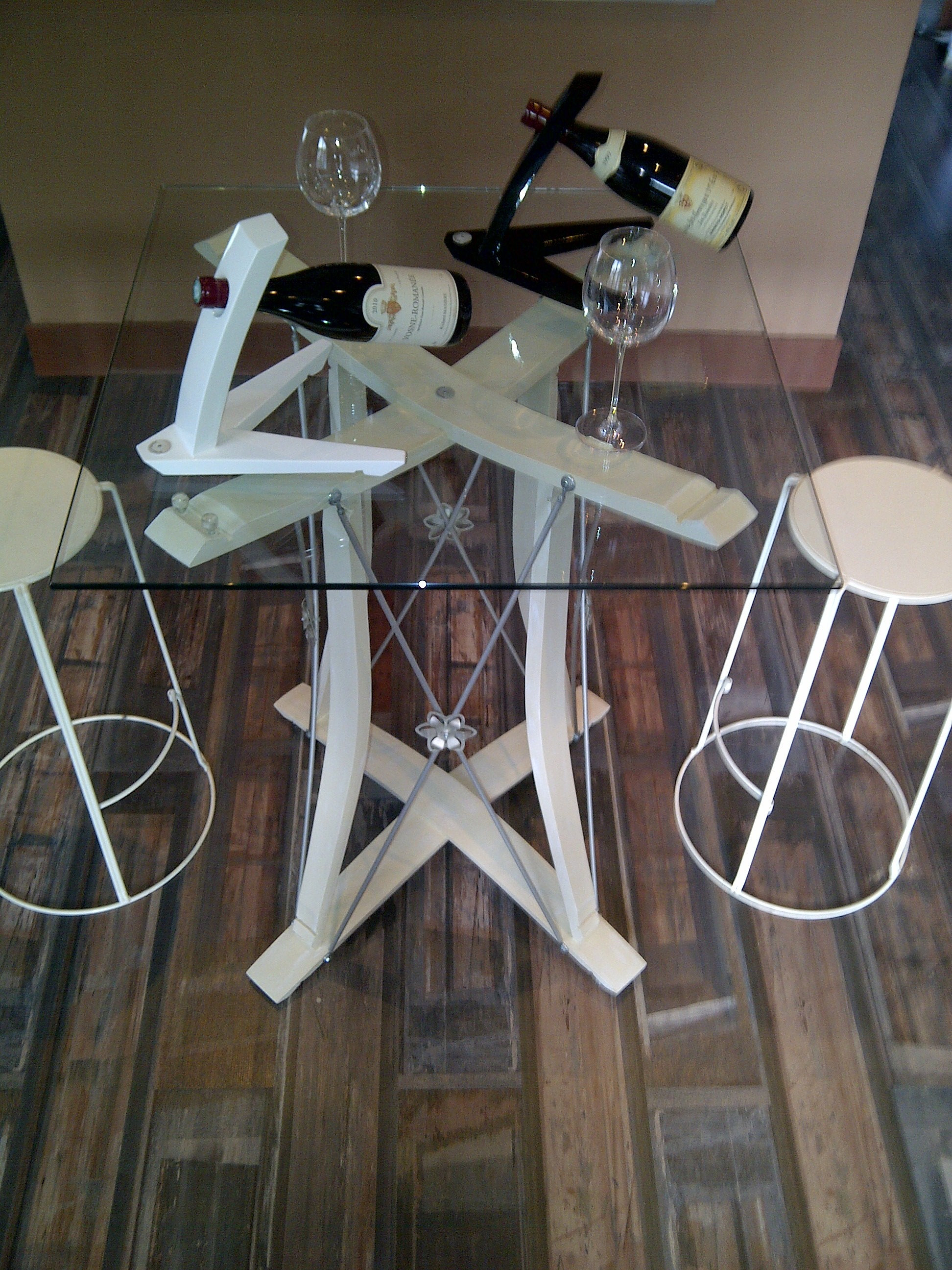 Douelledereve mobilier et objets des grands vins - Mange debout avec rangement ...