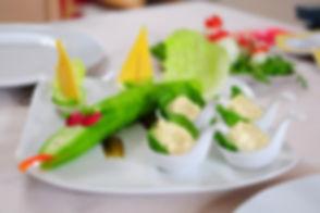 eating-796489_1920.jpg