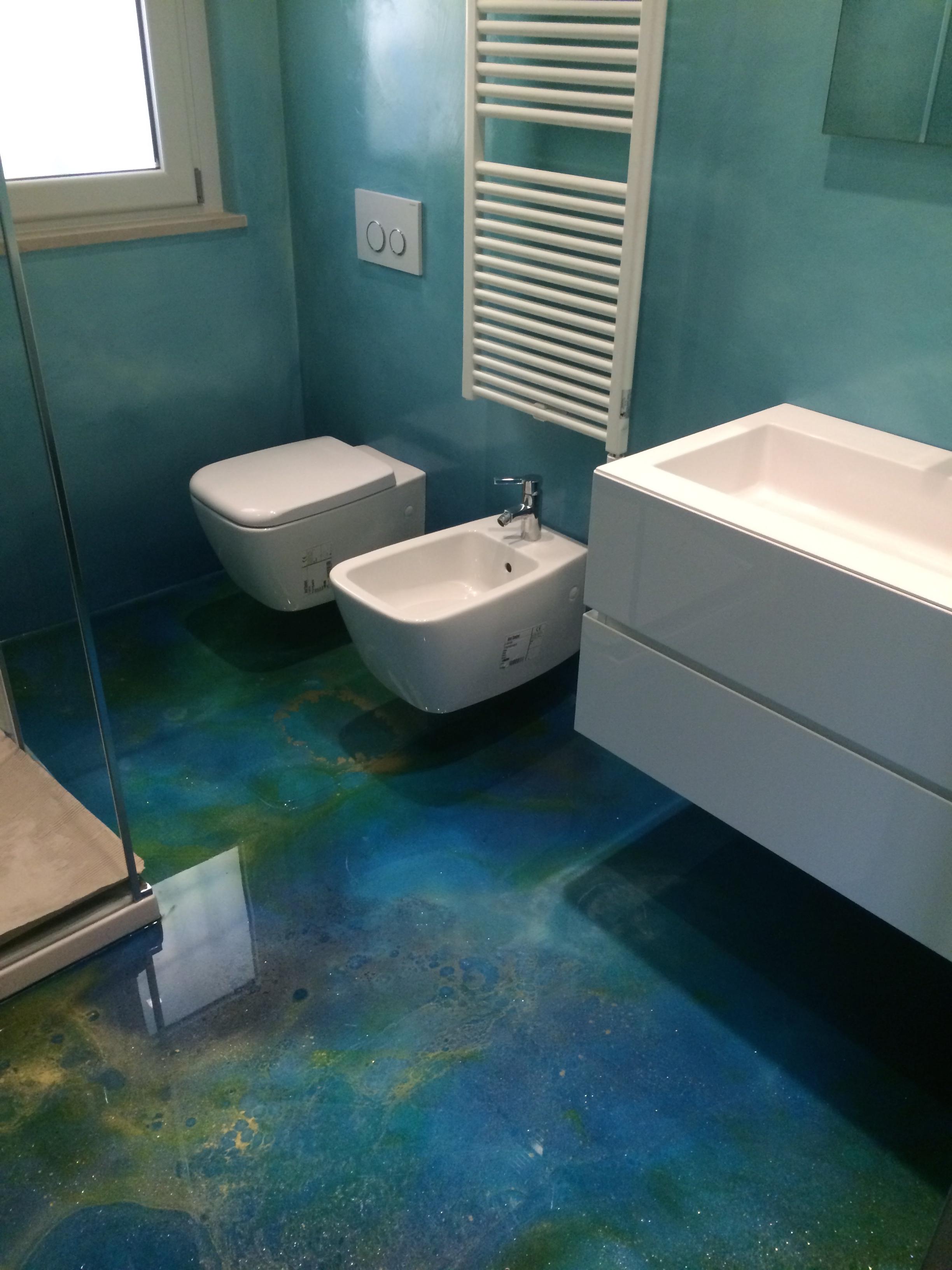Cassettiere sospese per ingressi - Pavimenti in resina per bagno ...