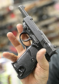 Walther P4