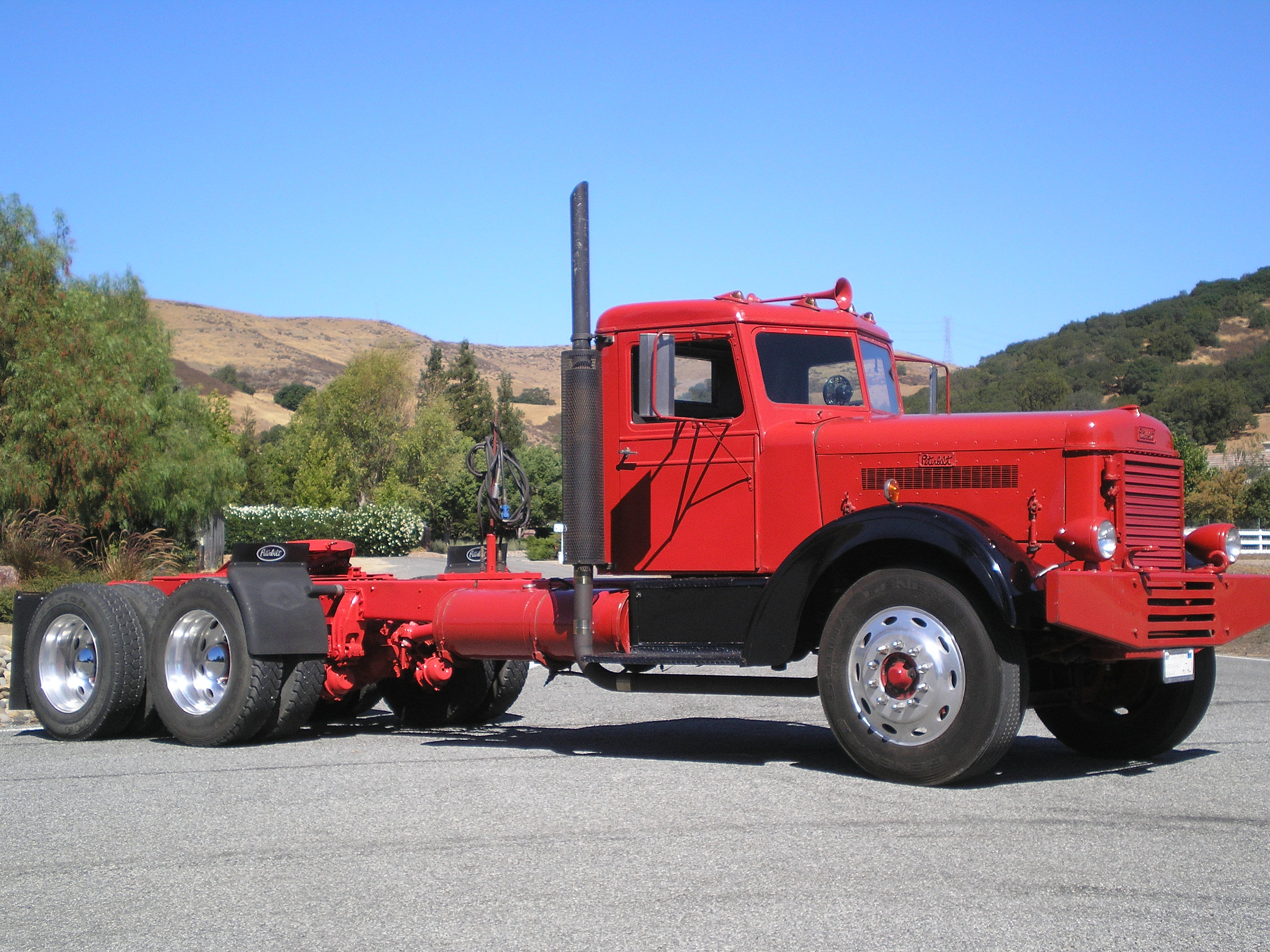 Antique Peterbilt Show Trucks http://www.pic2fly.com/Antique+Peterbilt ...