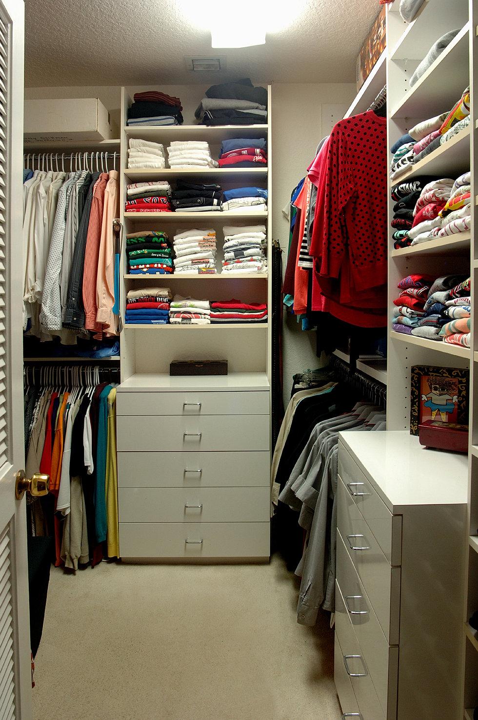 ... Master Closet ...