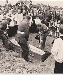 Mac Eoin is laid to rest