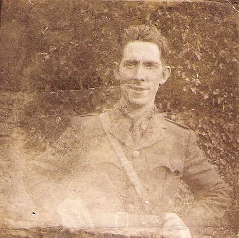 Early photo of Seán