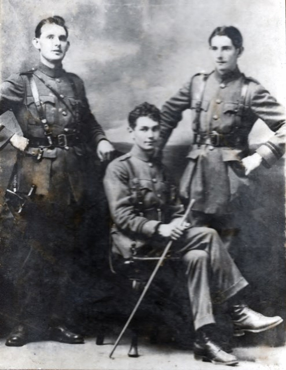 Jimmy Mac Eoin (center)