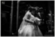 Foto Jornalismo de casamento, nouva entrando na igreja, noiva e pai.