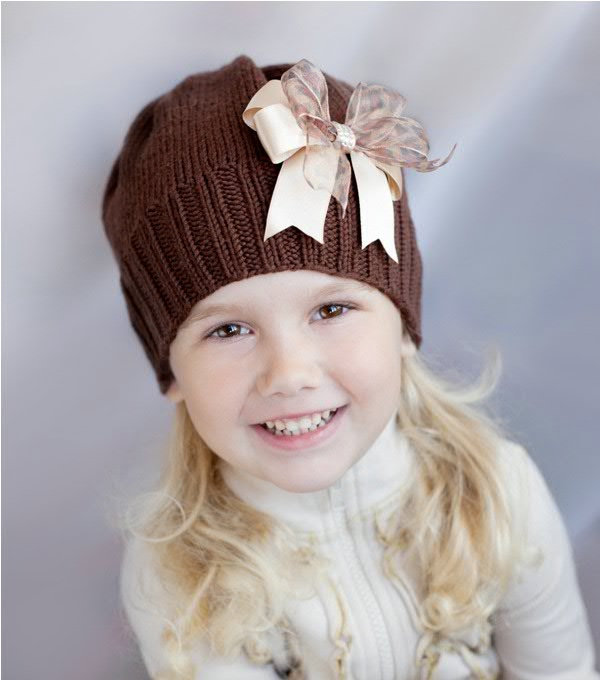 Украшаем детские шапки своими руками