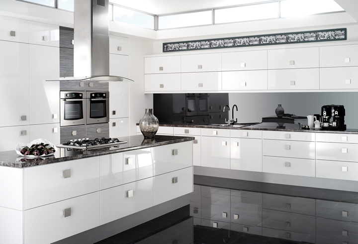 Lioher Pacific | All White Modern Kitchen with Flush Handles