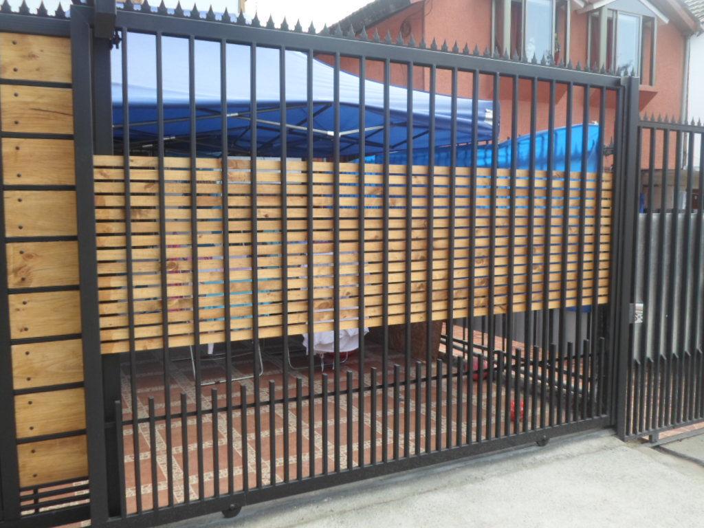 Cobertizo pergola de madera for Rejas de madera