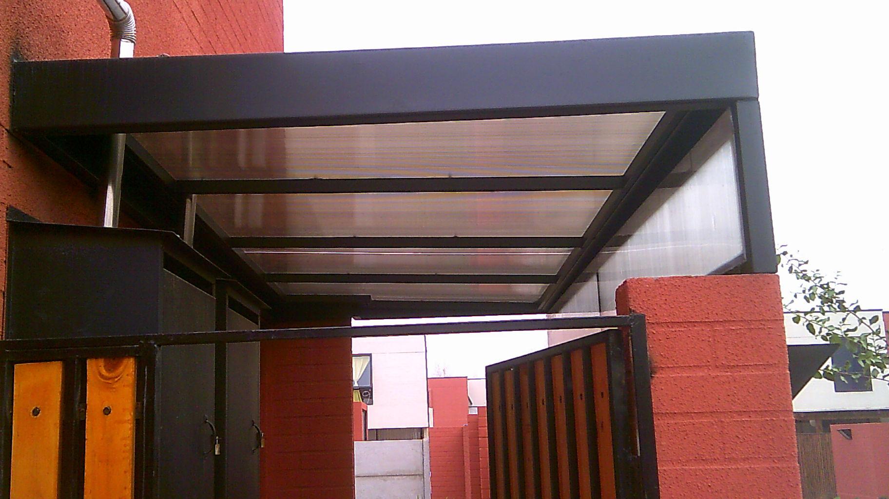 Cobertizo pergola de madera for Cobertizo de metal
