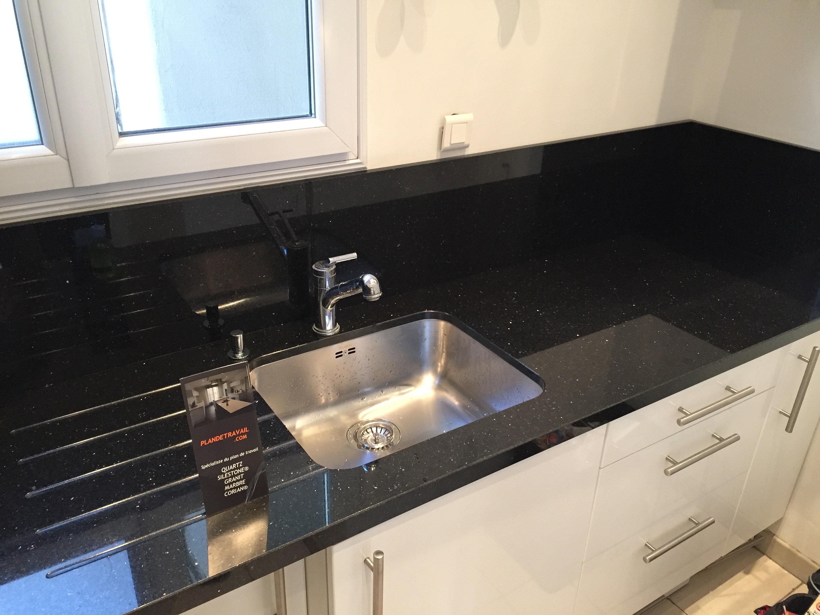 plan de travail granit quartz table en mabre paris. Black Bedroom Furniture Sets. Home Design Ideas