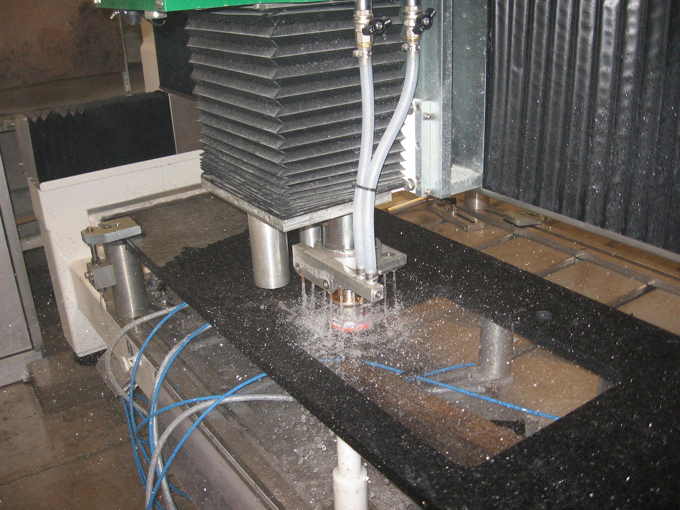 Plan de travail granit quartz table en mabre paris for Coupe plan de travail