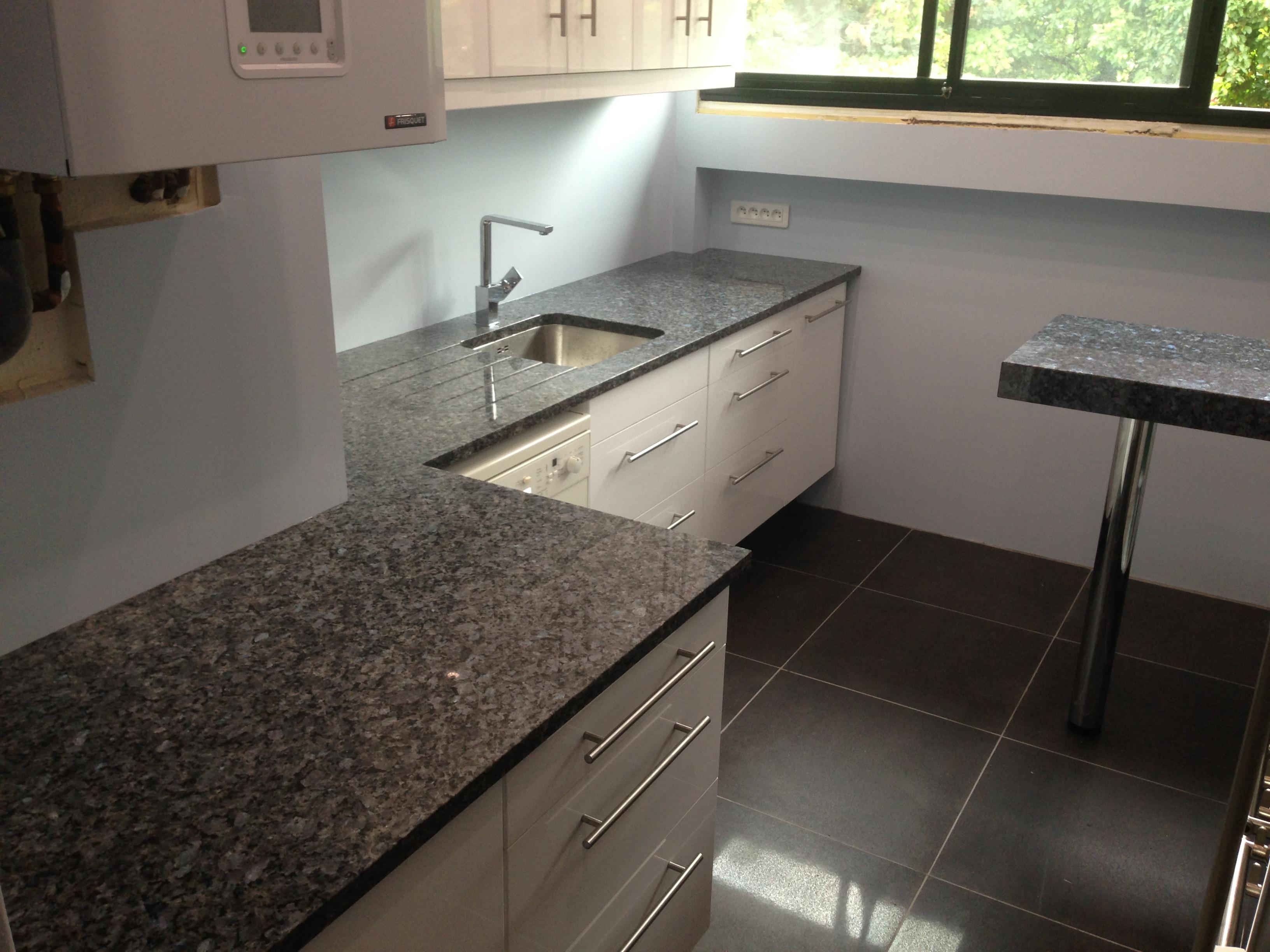 devis plan de travail com paris granit quartz marbre plans de travail granit. Black Bedroom Furniture Sets. Home Design Ideas