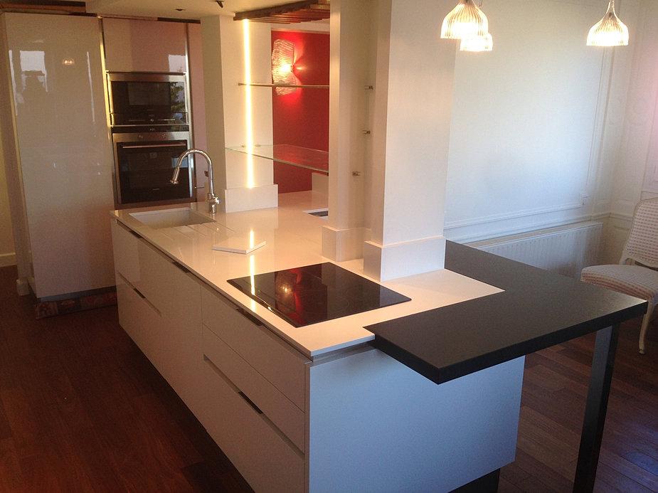 plan de travail table sur mesure. Black Bedroom Furniture Sets. Home Design Ideas