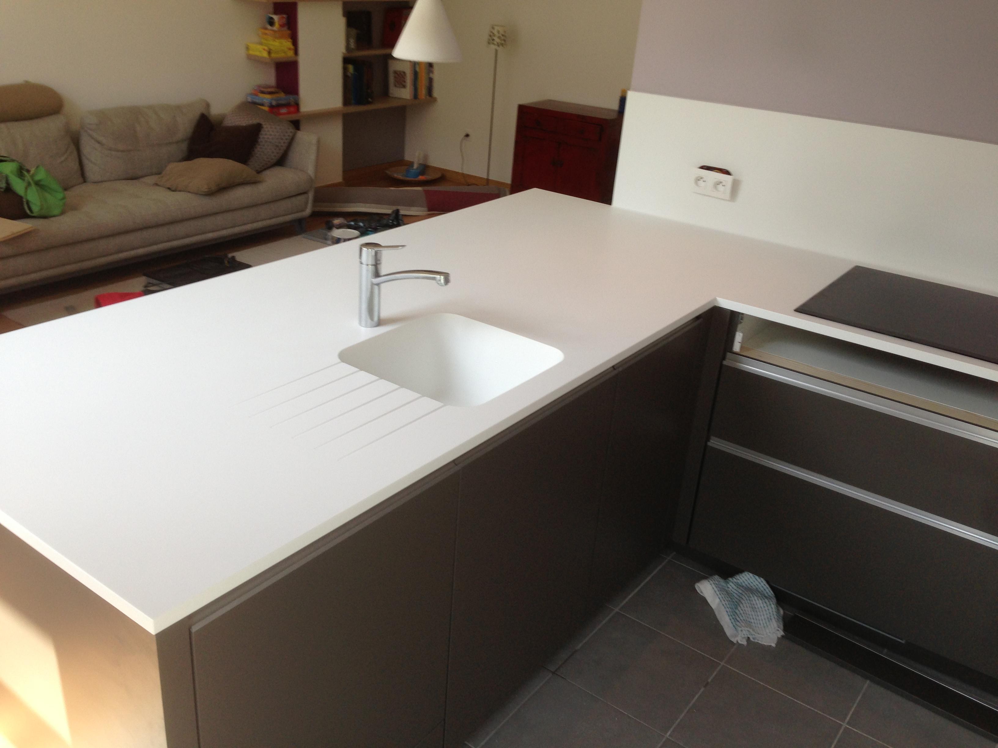 plan de travail granit quartz table en mabre paris essonne corian sur mesure paris. Black Bedroom Furniture Sets. Home Design Ideas