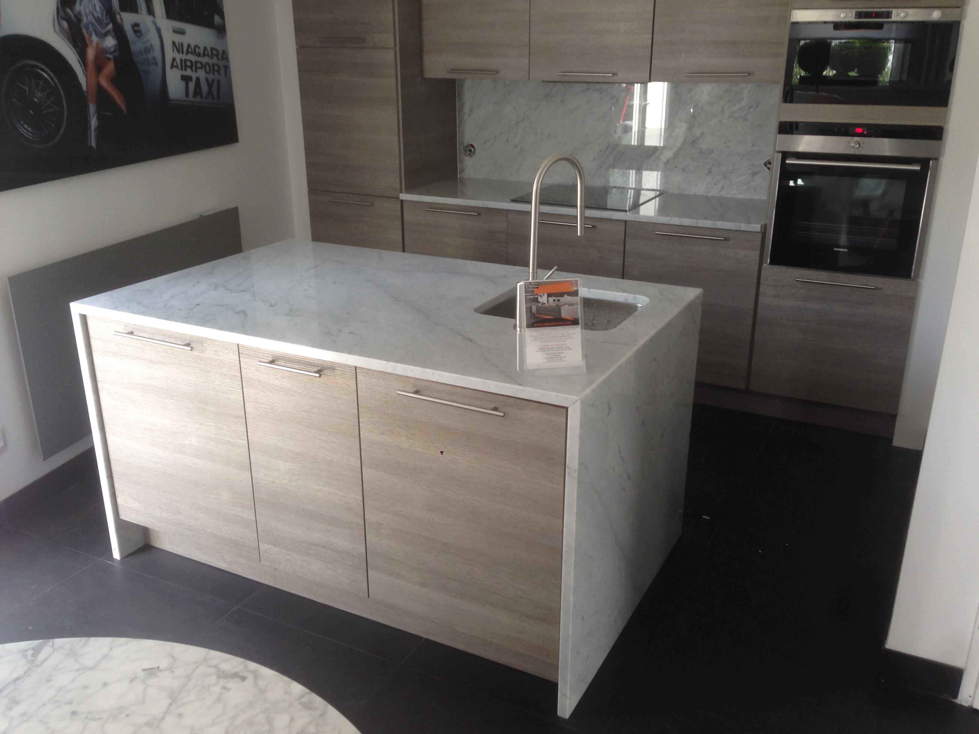 Devis plan de travail com paris granit quartz marbre ilot cuisine marbre carrare - Plan de travail ilot central sur mesure ...
