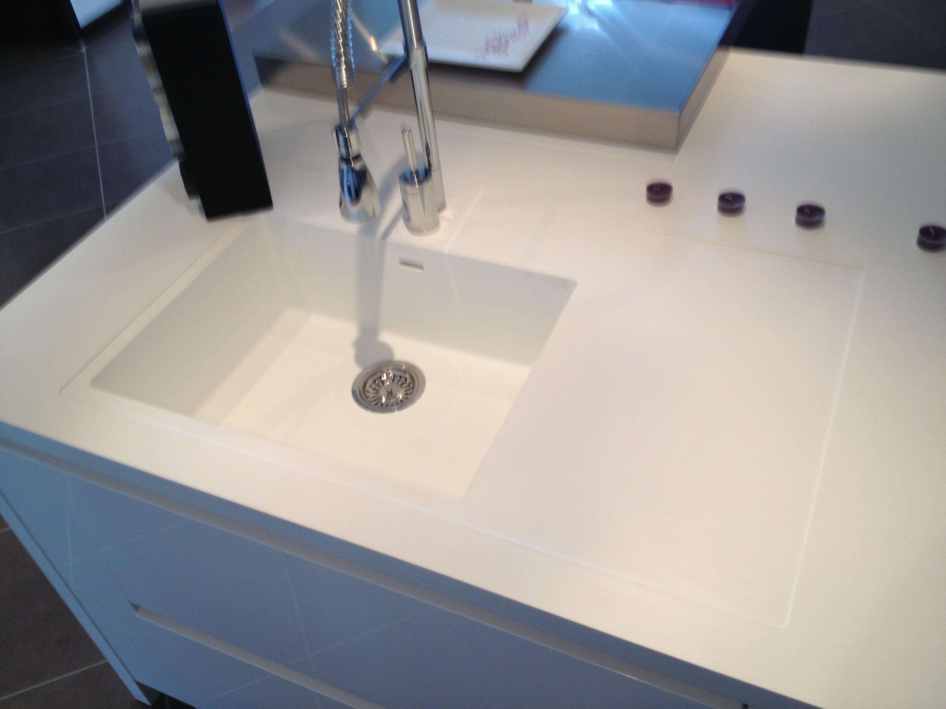plan de travail cuisine corian evier. Black Bedroom Furniture Sets. Home Design Ideas